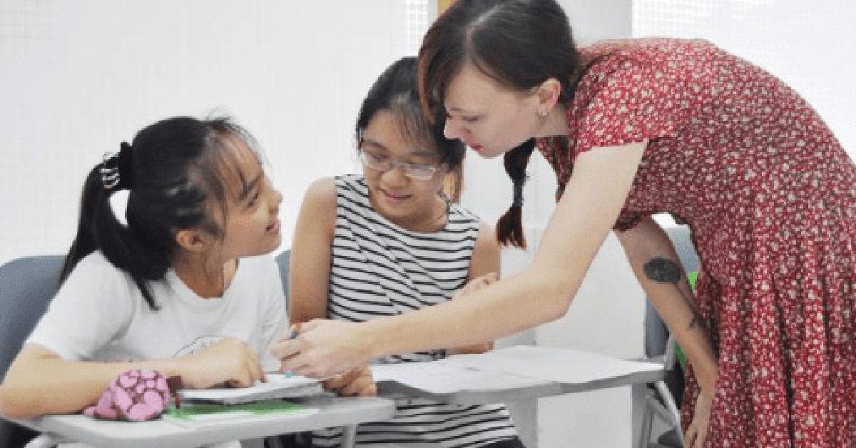 Trẻ phát triển nhiều kỹ năng nếu học tiếng Anh toàn diện