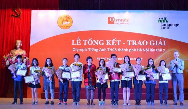 Lễ trao giải cuộc thi Olympic Tiếng Anh THCS lần thứ 7