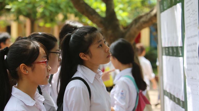 Điểm chuẩn vào lớp 10 các trường chuyên THPT Hà Nội giảm