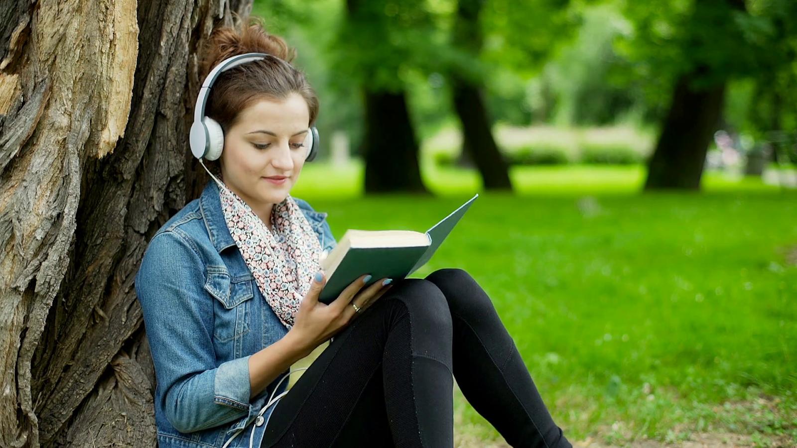 Nghe tiếng Anh hằng ngày sẽ giúp cải thiện kĩ năng nghe một cách đáng kể