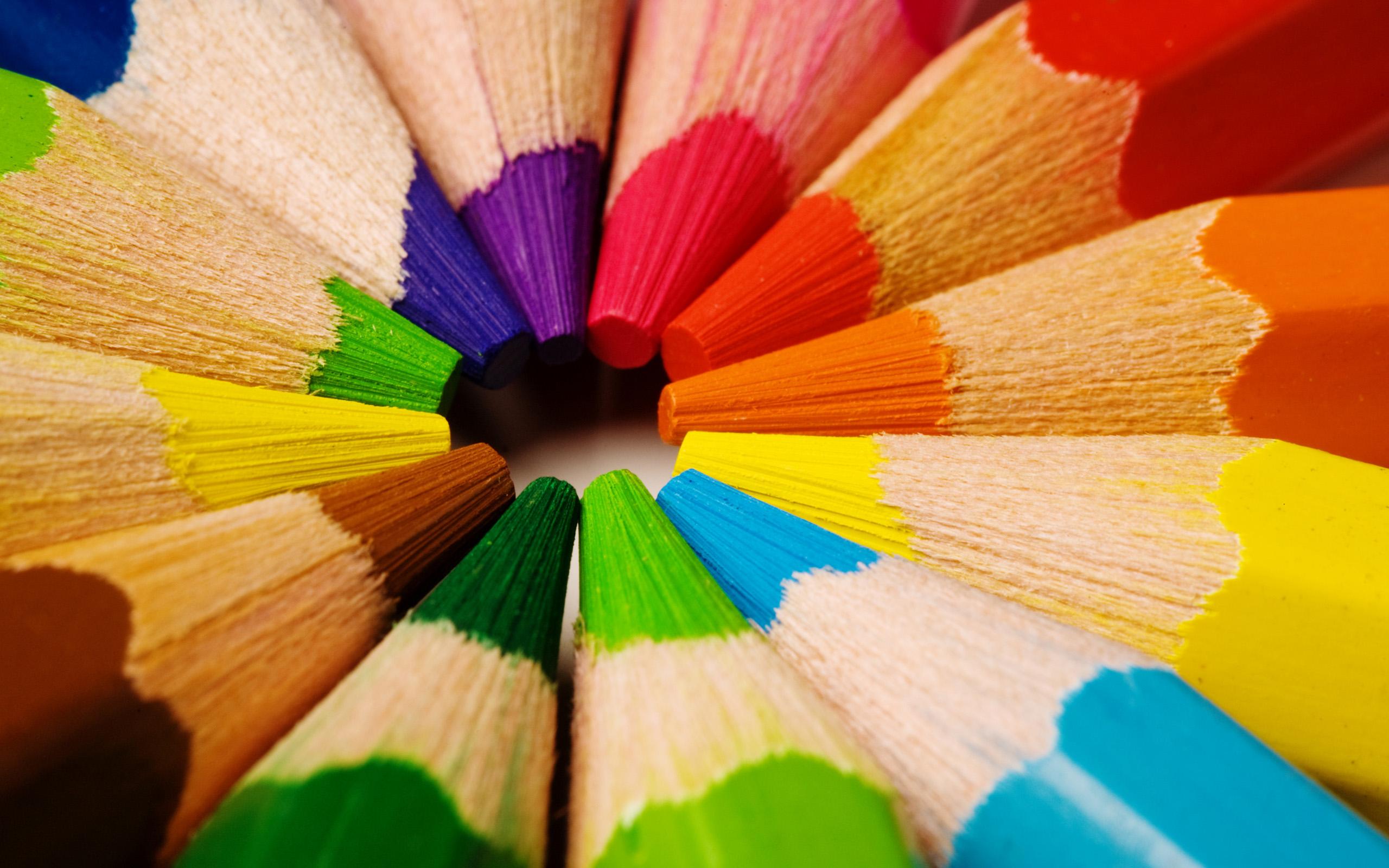 Việc sử dụng nhiều màu sắc sẽ khiến cho việc học từ vựng tiếng Anh bằng hình ảnh không còn nhàm chán