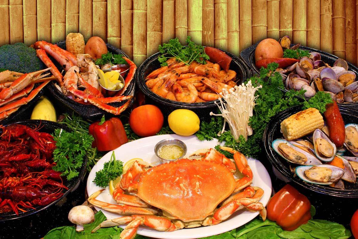 một bàn buffet hải sản