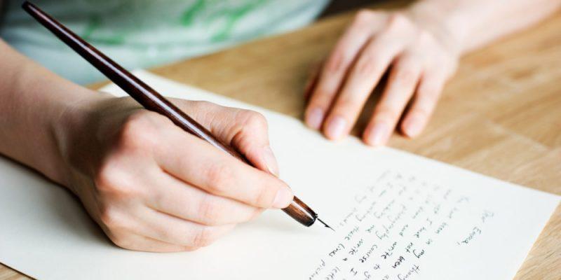 """Để viết thư tiếng Anh không còn """"khoai"""" nữa..."""
