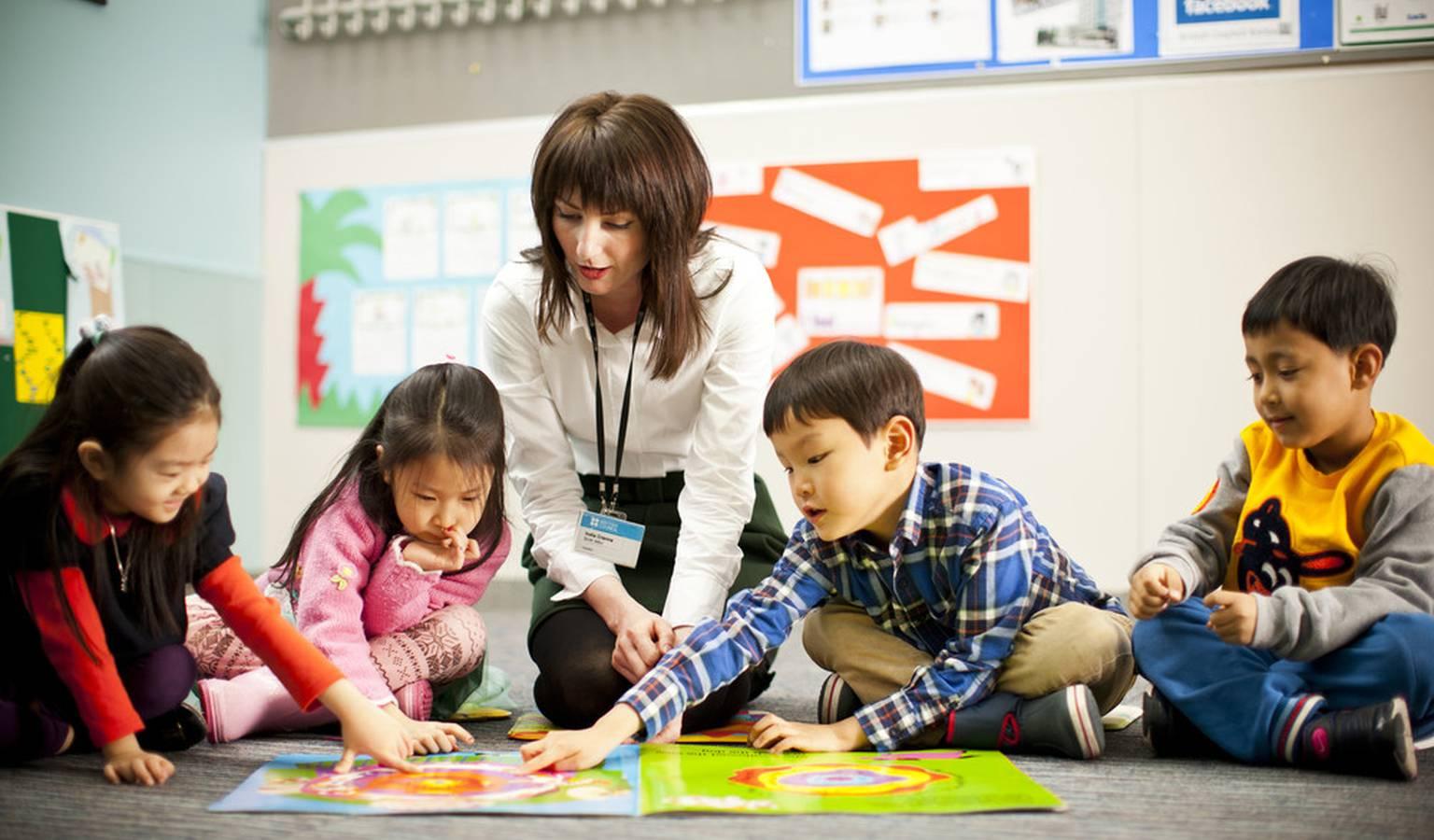 Dạy tiếng Anh cho trẻ thông qua phương pháp vừa học vừa chơi