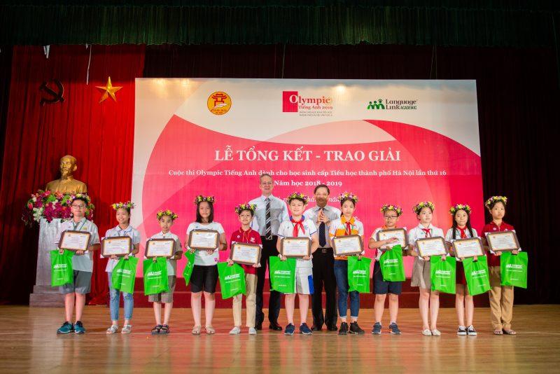 Trao giải Cuộc thi Olympic Tiếng Anh Tiểu học TP Hà Nội: Vinh danh 239 cá nhân và 15 tập thể