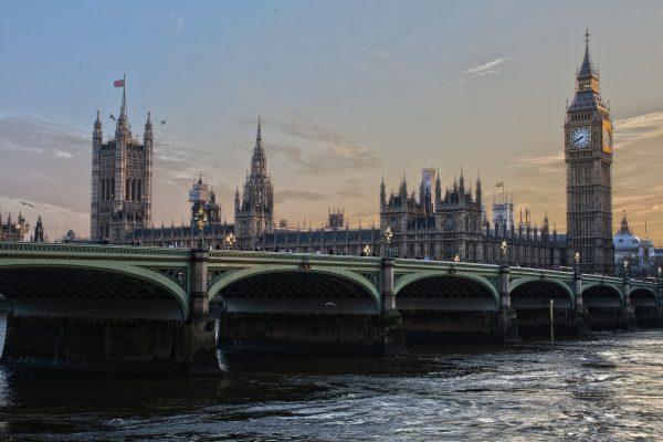 Nước Anh muôn màu: Hướng dẫn giới thiệu nước Anh bằng tiếng Anh