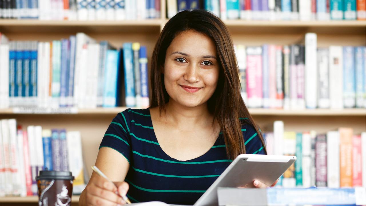 Có rất nhiều cuốn sách luyện IELTS Writing dành riêng cho task 1 và task 2