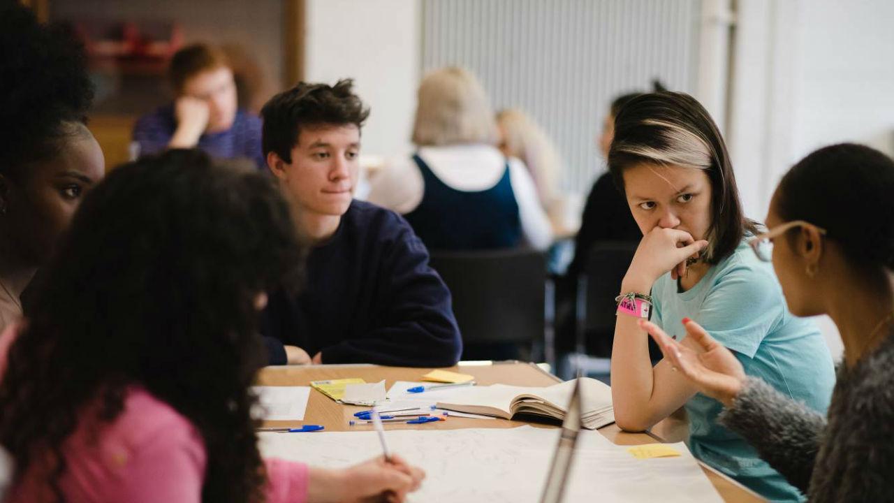 Từng kỹ năng cũng có các tài liệu riêng để tham khảo và ôn tập