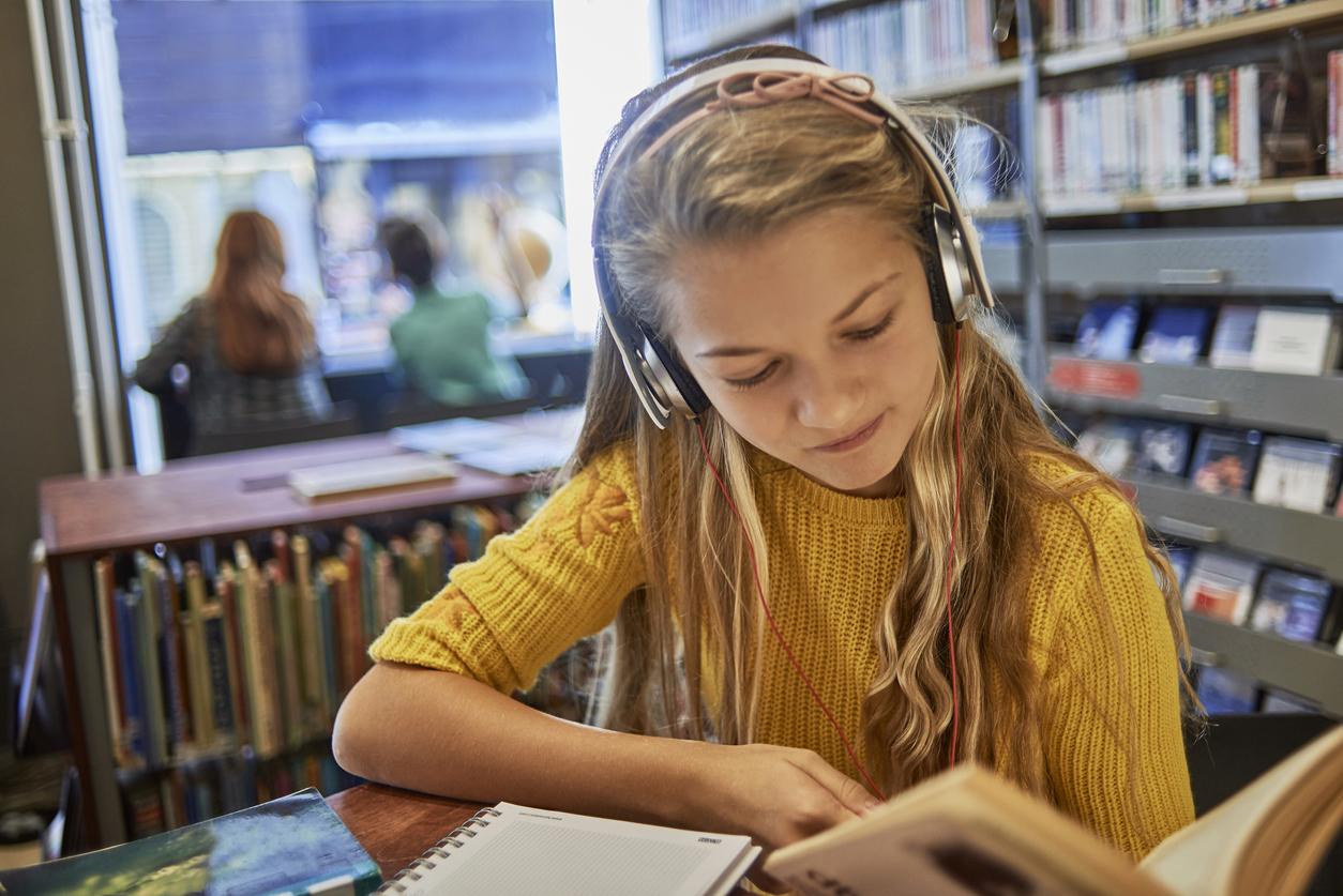 Nên duy trì thói quen nghe hằng ngày để chinh phục IELTS Listening hiệu quả nhất