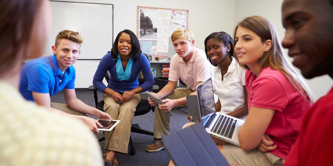 Hãy cố gắng tiếp xúc với tiếng Anh mọi lúc, mọi nơi để chuẩn bị một nền tảng vững vàng cho giai đoạn học IELTS sau này