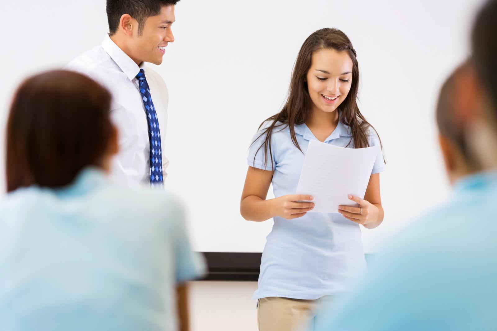 Việc tự học Speaking sẽ trở nên đơn giản hơn với sự trợ giúp của các tài liệu IELTS Speaking