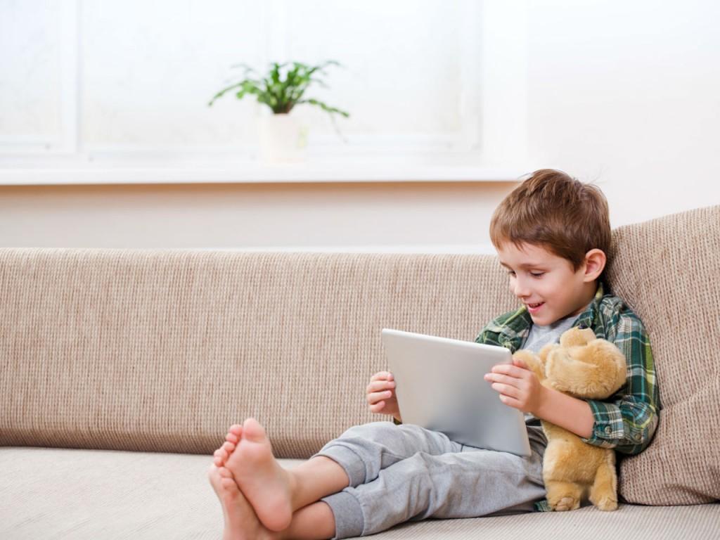 Việc học tiếng Anh online cho trẻ em đã trở nên phổ biến trong xã hội hiện đại