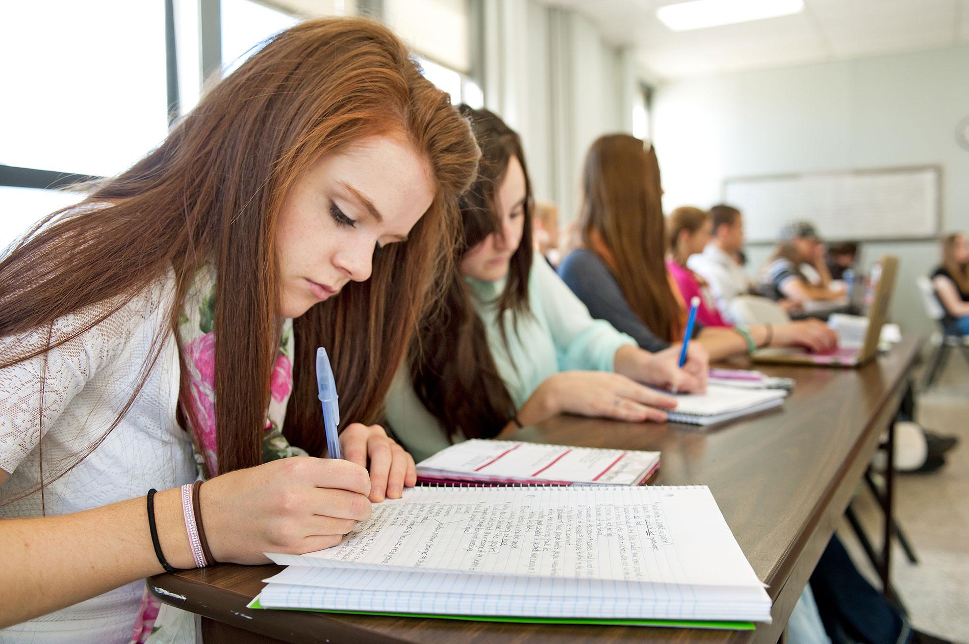 Mỗi bài essay cần đảm bảo đầy đủ cấu trúc để đạt band điểm cao