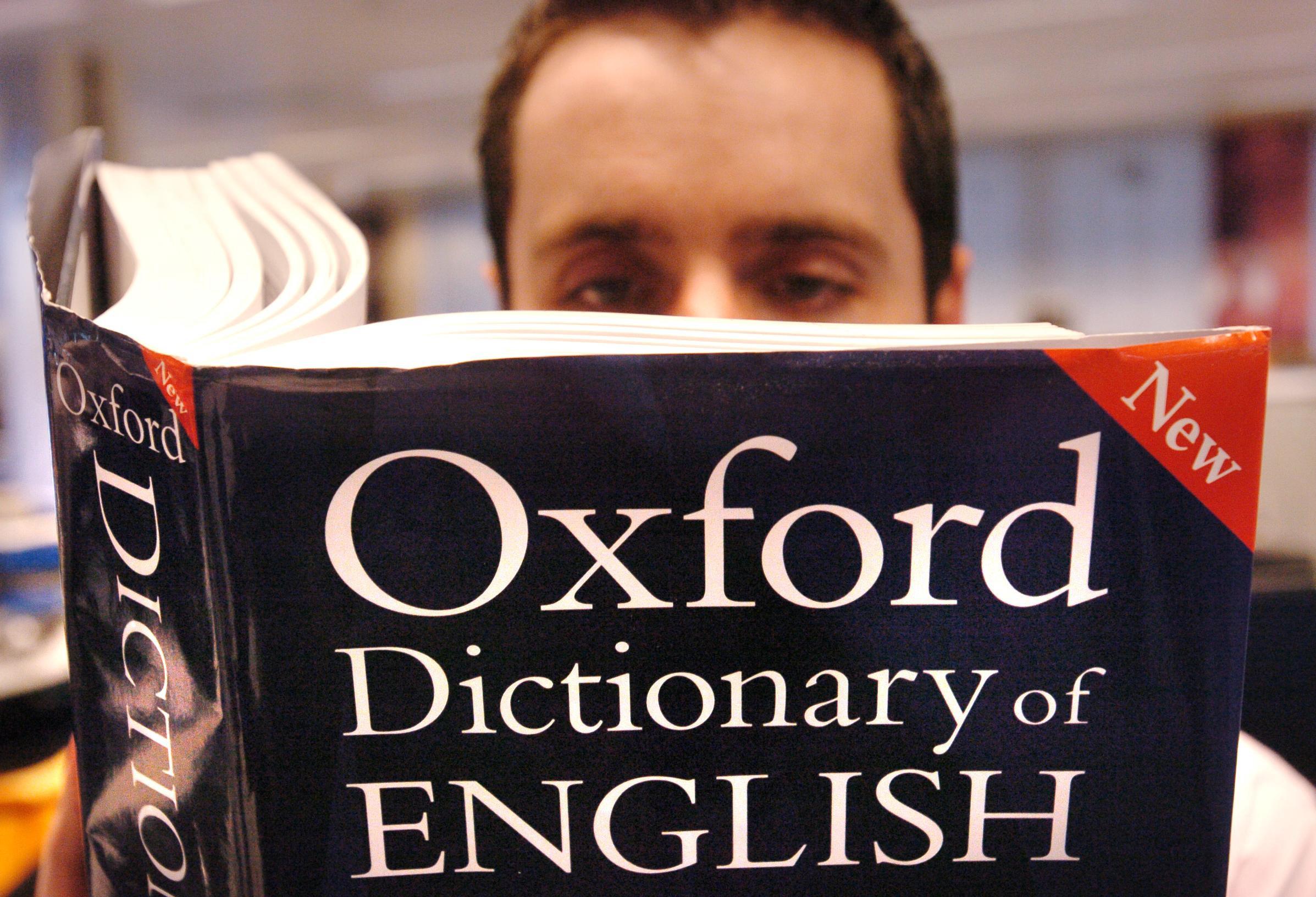 Lựa chọn các cuốn từ điển thật sự uy tín trong quá trình học viết tiếng anh học thuật