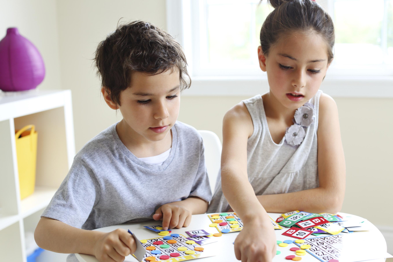 Vốn từ vựng của trẻ sẽ được cải thiện qua nhiều lần chơi Bingo
