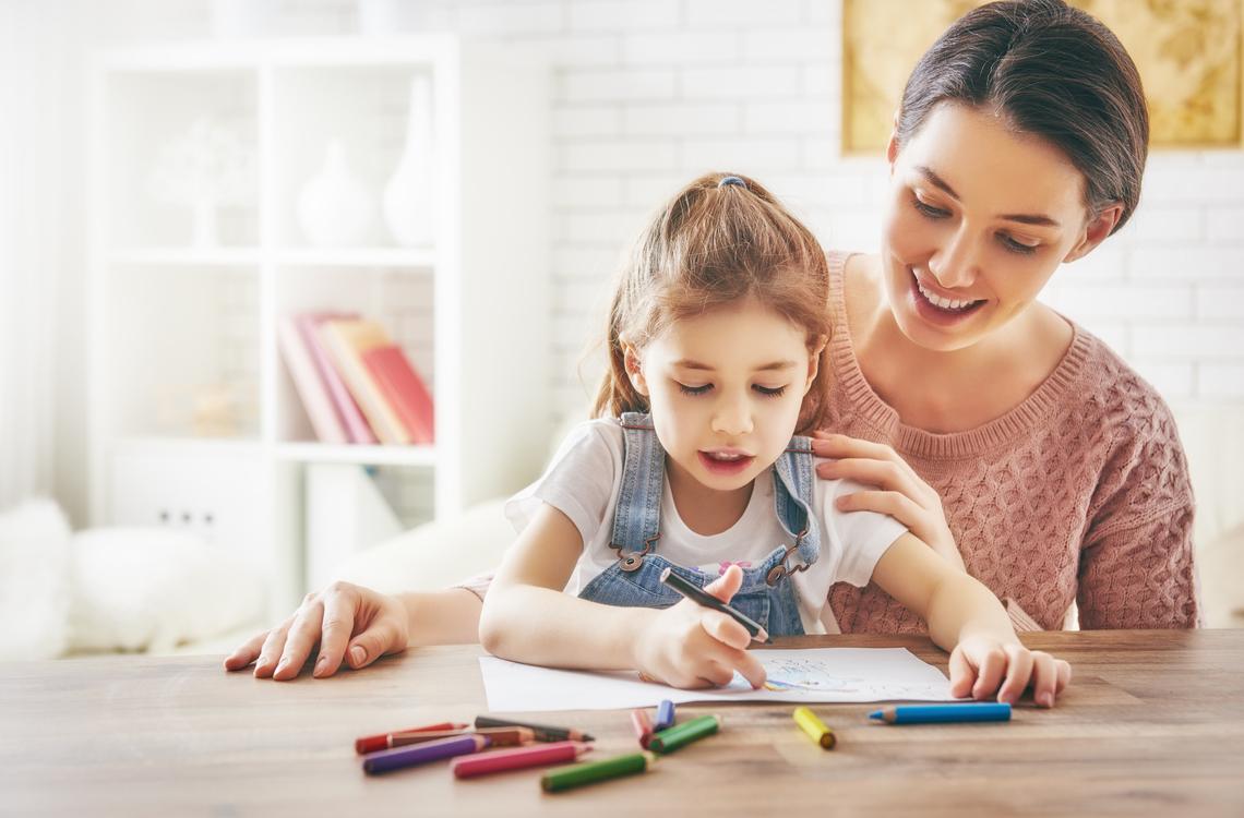 Phụ huynh có thể hướng dẫn bé học tiếng Anh lớp 1 với các phương pháp học tập hiệu quả