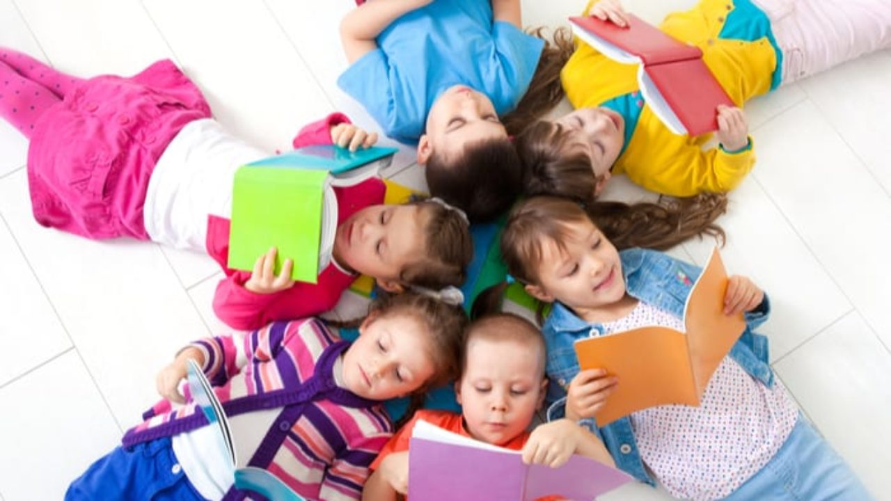 Dạy tiếng Anh cho bé mẫu giáo qua các cuốn sách vẫn là phương pháp được ưa chuộng vì hiệu quả đem lại