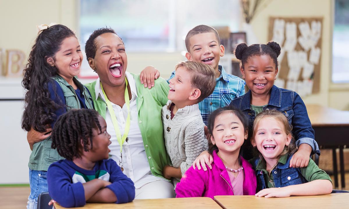 Không phải ngẫu nhiên khi học tiếng Anh qua các bài hát lại là phương pháp được sử dụng nhiều trong các trung tâm tiếng Anh cho trẻ em
