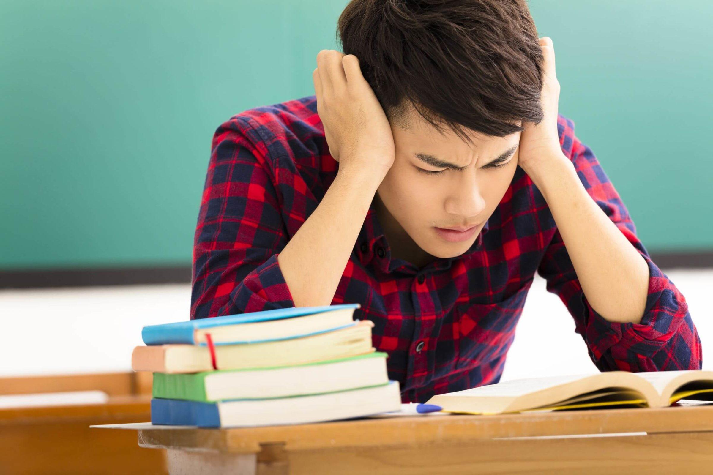 Các bộ đề luyện thi tiếng Anh đại học là công cụ hỗ trợ đắc lực trong quá trình ôn tập cho kỳ thi THPT Quốc gia