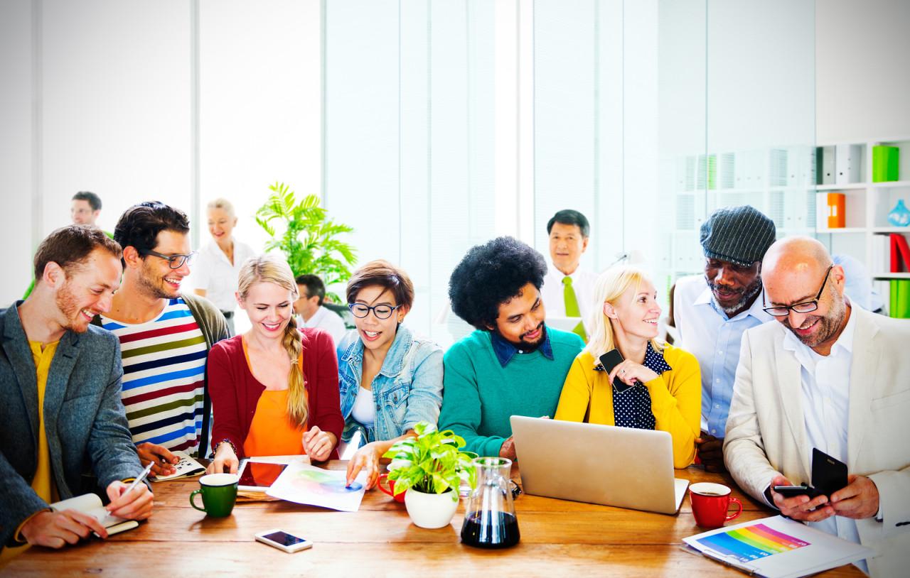 Mọi cá nhân từ học sinh, sinh viên hay người đi làm đều có thể tham khảo hướng dẫn học tiếng Anh tích hợp