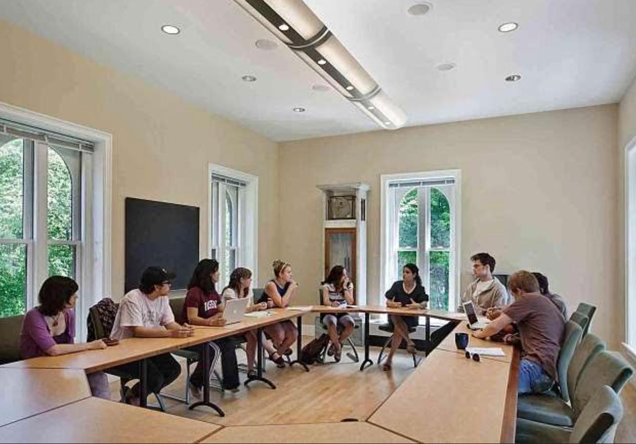 Đội ngũ giáo viên là nhân tố quan trọng khi lựa chọn tham gia các khóa học tại trung tâm Anh ngữ