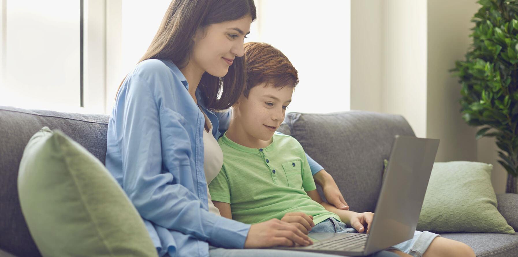 Cha mẹ có thể tham khảo một số khóa học tiếng Anh trực tuyến cho con trẻ