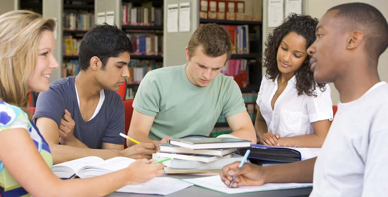 """Nhiều người vẫn băn khoăn về vấn đề """"học tiếng Anh ở đâu hiệu quả?"""""""
