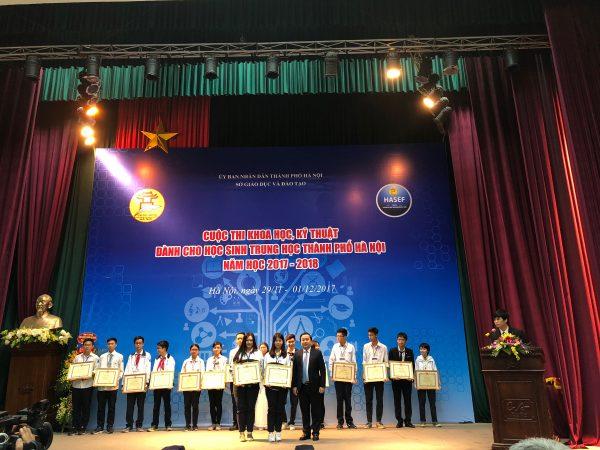 16 thí sinh đến từ 8 đội đoạt giải nhất nhận bằng khen và phần thưởng từ Ban tổ chức cuộc thi