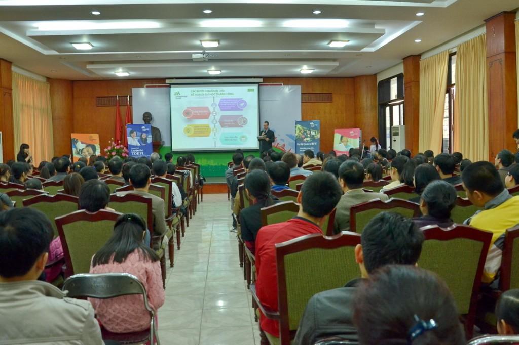 language link 1 - Buổi hội thảo thu hút sự tham gia đông đảo của phụ huynh và học sinh